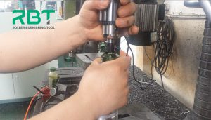 What factors should be considered in the process of roller burnishing tool?